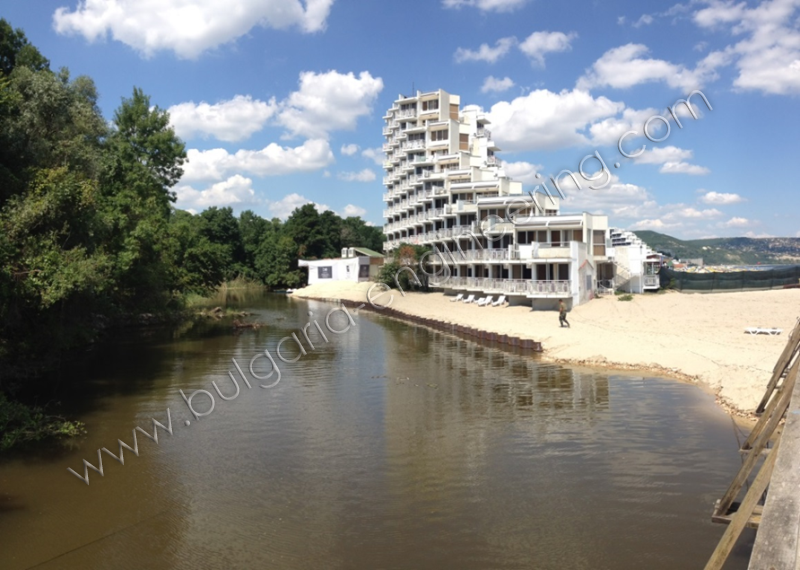 "Hotel ""Gergana"" - Photo 01"